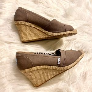TOMS Taupe Wedges  size 9.5